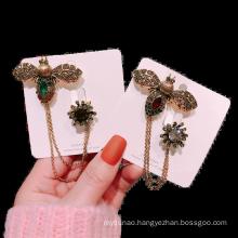 Rhinestone Brooch for Women Girl Coat Sweater Accessories Chain Badge Euro American Vintage Bee Alloy Zircon Copper Alloy CN;ZHE