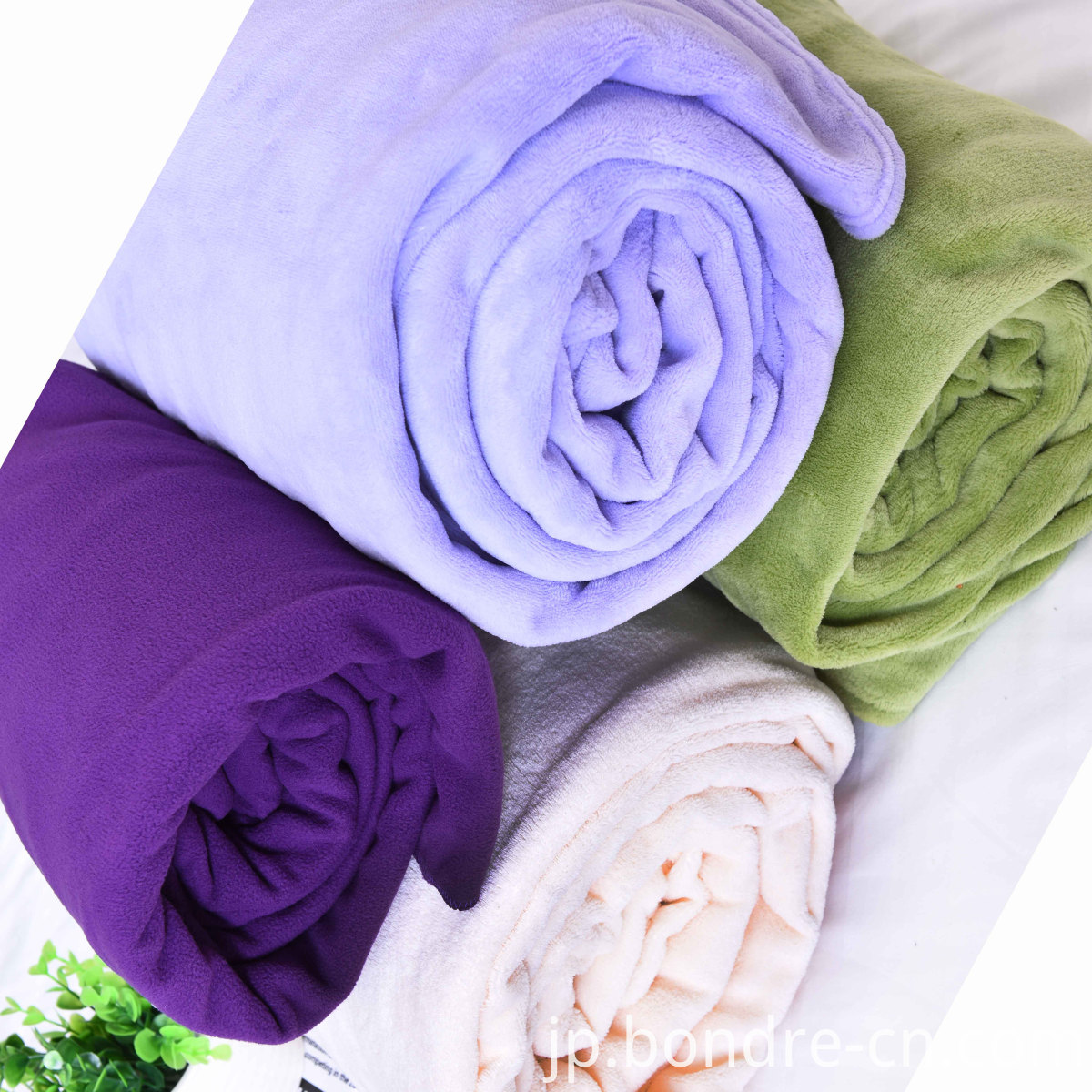 solid polar fleece blanket (1)