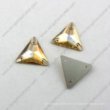 La forme décorative de triangle de Dz-3069 cousent sur la pierre pour des vêtements du fabricant de la Chine