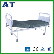 Manual metal double-folding bed