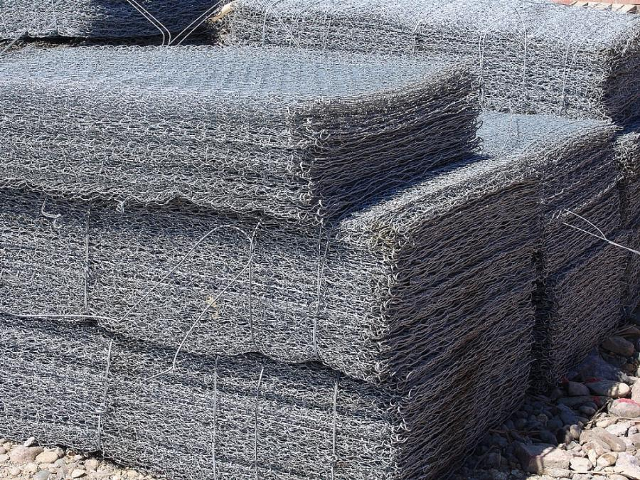 Hot dipped galvanized Gabion box Wall