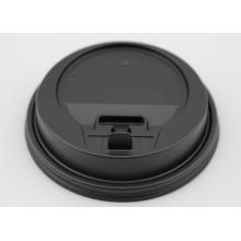 Schwarzer Plastikdeckel für heiße Papierbecher