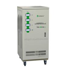 Настраиваемая серия Tns-50k с тремя фазами Полностью автоматический регулятор напряжения переменного тока / стабилизатор