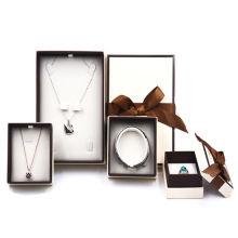 Kundenspezifischer Luxusschmucksachen-Darstellungs-Geschenk-Verpackenkasten-Satz