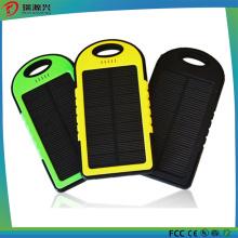 Banco de energia solar ao ar livre para carregador de celular