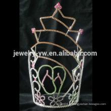 A forma do metal da forma chapeou a coroa grande da representação de cristal grande da forma da estrela para a venda