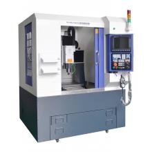Máquina de grabado CNC de moldeo por inyección pequeña
