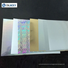 Sobreposição de holograma no cartão de identificação