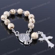 8mm granos de madera colorida perlas religiosas pulsera con crucifijo