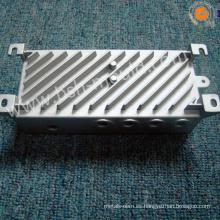 Radiador fundido a presión de aleación de aluminio.