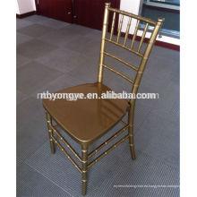 Silla de chiavari resina de oro / silla tiffany