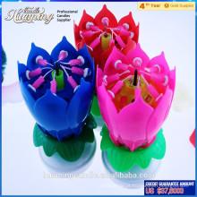 Velas do aniversário do vendedor superior em velas musicais da camada dobro na forma da flor venda