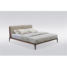 Кожаная кровать итальянского дизайна