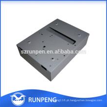 Carimbando a caixa de chapa metálica elétrica, perfurando o cerco impermeável de alumínio
