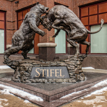 große Außenskulpturen Metallhandwerk Stier Bär Statue zum Verkauf
