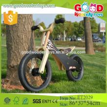 ET2029 Bicicleta de juguete de madera más vendida de la fábrica, vehículo negro del juguete de la bici del color