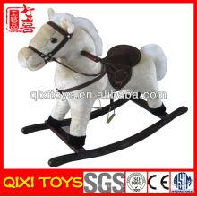 2014 venda quente de pelúcia de madeira brinquedo de cavalo de balanço