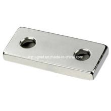 Блочный магнит с отверстием