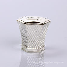 PCL068 Zinc Fashionable Mens Perfume Bottle Cap Manufacturer