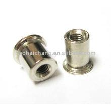 Tuerca de remache plateada cinc de acero usada para el calentador eléctrico de la caldera / el dispositivo de calefacción