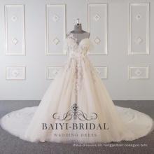 El rosa por encargo de la flor del cordón se ve a través del vestido de boda 2017 DY036