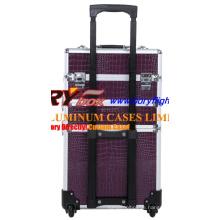 Rolled Beauty Train Case mit 4 Ebenen auf Rädern