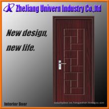 Puertas dobles de madera delanteras