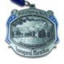 Награжденный медалью многоуровневого подарочного чек-опознания с шейным ободком