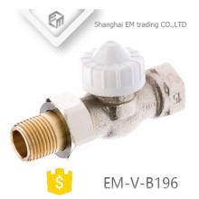 EM-V-B196 Válvula de radiador de latón niquelado
