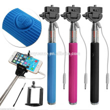 A venda por atacado a mais vendida do preço de fábrica na vara do selfie do estoque com cabo, vara do selfie do pólo da tomada do cabo, Z07-5S