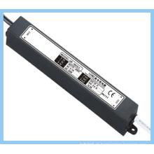 Fonte de alimentação impermeável do diodo emissor de luz / 60W / entrada 240V Saída 24V