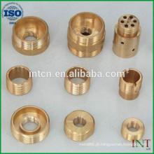 CNC metal girando as peças