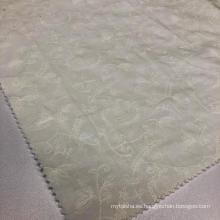 Tela de bordado blanca