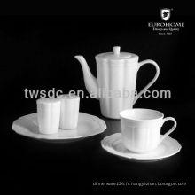 Articles de vaisselle et assiettes en forme d'octogone
