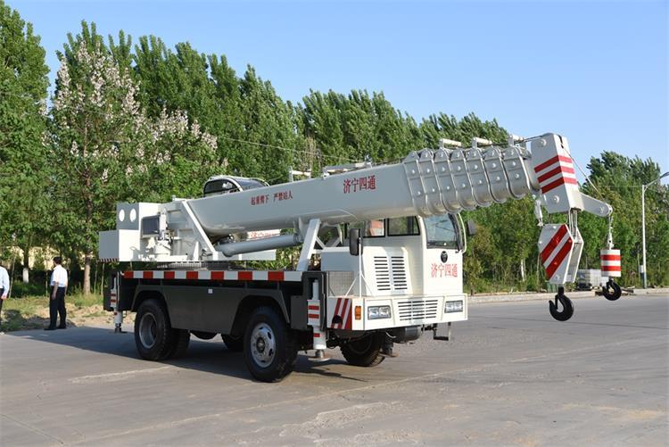 16 ton mini crane