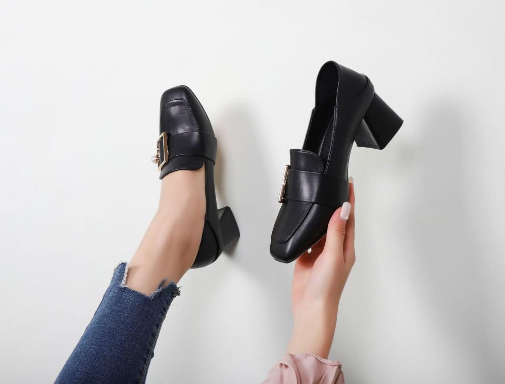 easy to wear design sandals