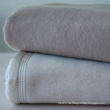 Sehr weiche 100 % australische Wolle Decke