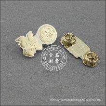 Pin organisationnel argent, insigne de forme irrégulière (GZHY-LP-020)