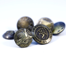 Wholesale Antique Brass Color Alloy Custom Made Embossed Name Logo Metal Button for Jeans Clothing