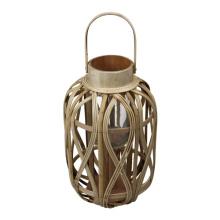 Pequena lanterna de bambu