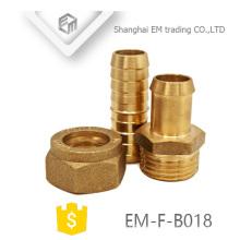 EM-F-B018 Adaptador de tubería de adaptador de latón macho