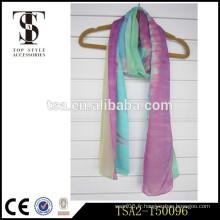 Confortable belle écharpe en mousseline de soie en soie et en couleur solide