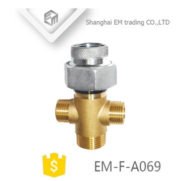 EM-F-A069 Multifunktionaler Messing-verzinkter russischer vernickelter Rohrfitting