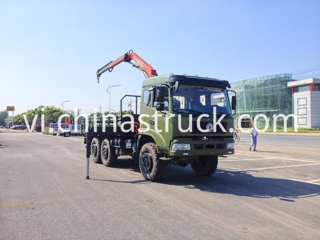 Dongfeng Truck with Crane for Oil Field picture