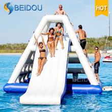 Diapositiva de agua flotante gigante durable popular de la piscina para la venta