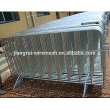 expandable fence expandable barrier