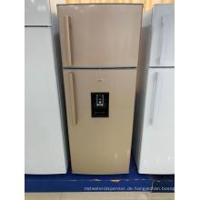 Doppeltüriger Gefrierschrank mit Wasserspender