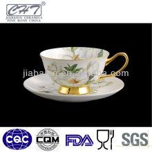 Tasse en porcelaine et soucoupe haute qualité