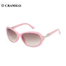 Moda rosa mujer gafas de sol sobre gafas