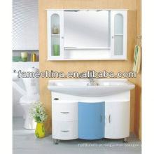 Abrigo de lavanderia branco 2013 com armário